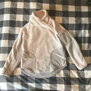 Nike Sherpa Pullover Sweater, Small